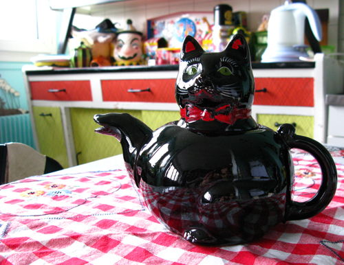 kittyteapot2